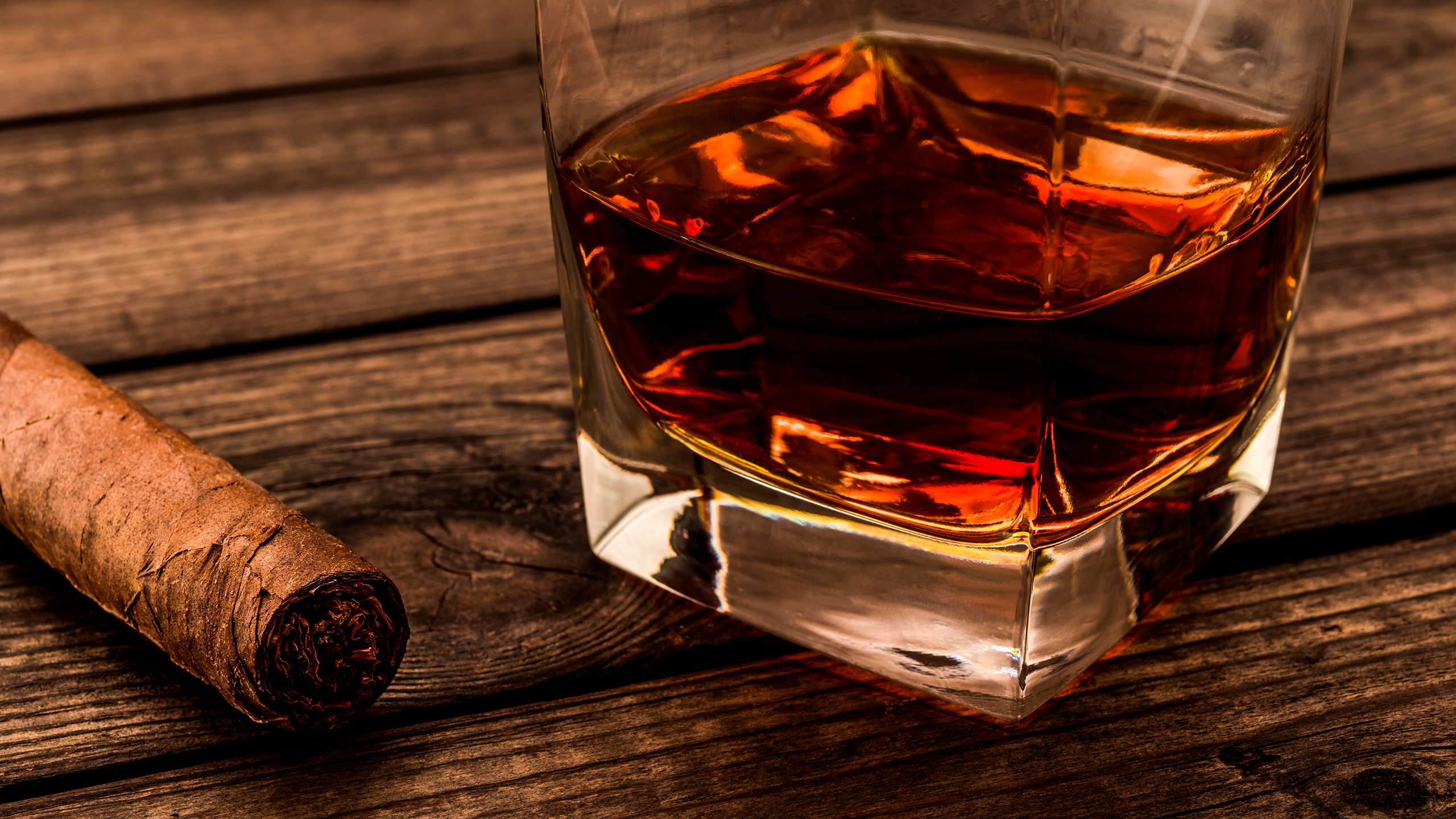 Cigars-and-Premium-Rum-Botucal
